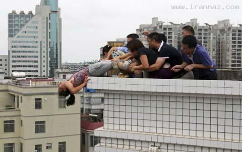 عکس هایی دردناک از تلاش زنی قاتل برای خودکشی!