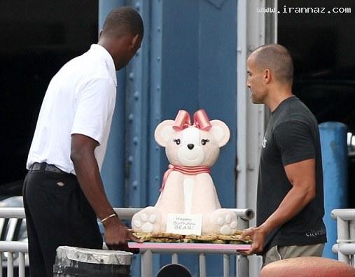 واکنش دیدنی جنیفرلوپز از کیک تولدش ! + تصاویر