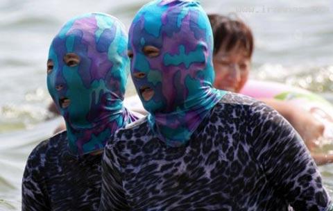 اقدام جالب زنان چین برای مقابله با خورشید! +تصاویر