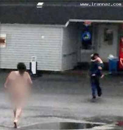 برهنه شدن زنی در خیابان بعد از تنبیه پسرش+عکس