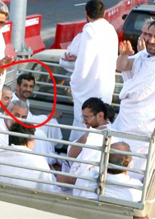 عکس متفاوت از سفر احمدی نژاد به کشور عربستان!