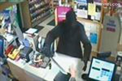 حمله کردن دزدان به اداره پست با شمشیر! (+عکس)
