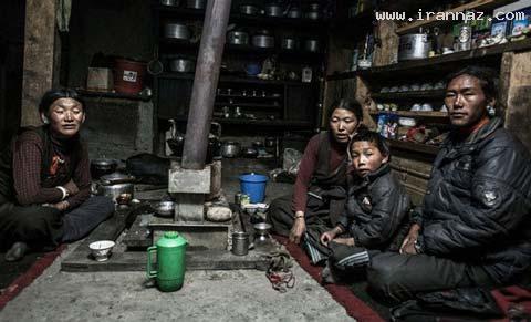 ازدواج و زندگی همزمان این خانم با 2 برادر!! (+تصاویر)