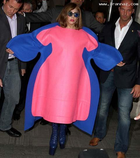 لباس و عینک مسخره لیدی گاگا سوژه شد (+عکس)