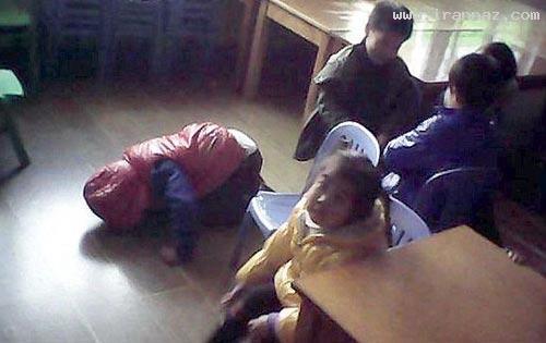 جنجال تنبیه وحشیانه دانش آموزان توسط یک معلم زن