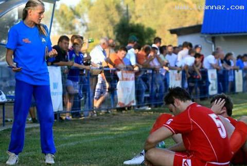 این ملکه زیبایی مربی تیم فوتبال مردان شد (+تصاویر)