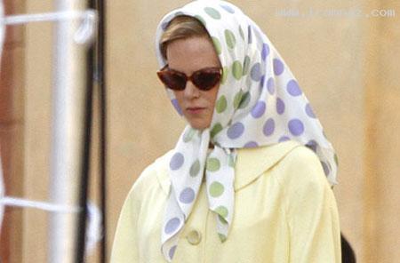 وقتی نیکول کیدمن هم روسری، سر میکند! (+عکس)