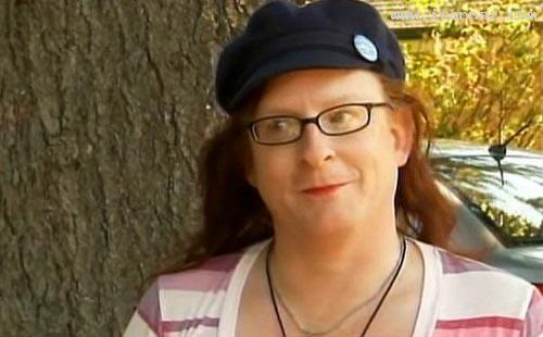 جنجال ورود یک مرد تغییر جنسیت داده به استخر زنان!