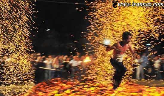 عکس هایی باورنکردنی از مراسم راه رفتن بر روی آتش!!