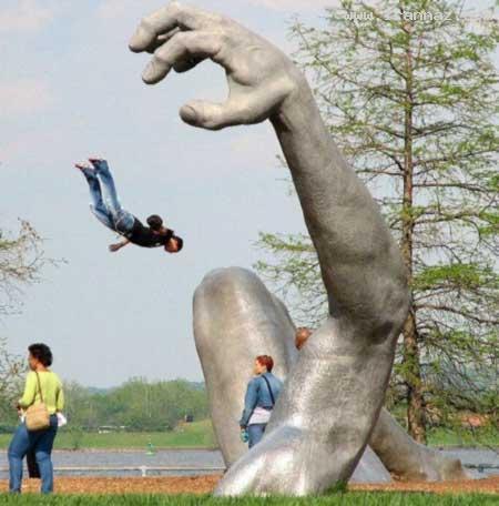 عکس هایی دیدنی از عجیب ترین مجسمه های جهان