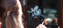عریان شدن یک زن بخاطر ممانعت از سیگار کشیدنش!