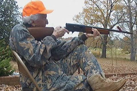 زن 97 ساله شکارچی از زندگی شخصی خود میگوید!