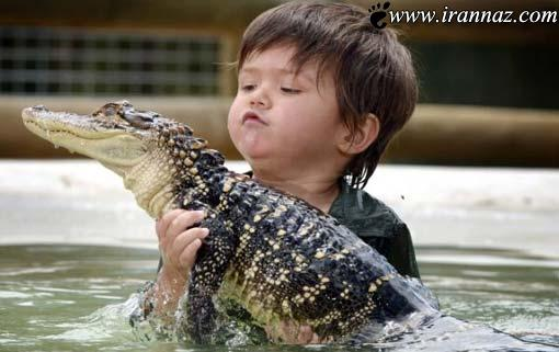 کودکی 3 ساله و شجاع مسئول تمساح های باغ وحش