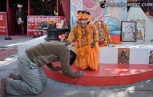پرستیدن این خانم توسط مردم هند بخاطر قد کوتاهش!!