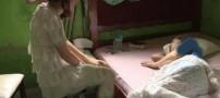 تن فروشی دختری 18 ساله برای نجات مادرش (عکس)