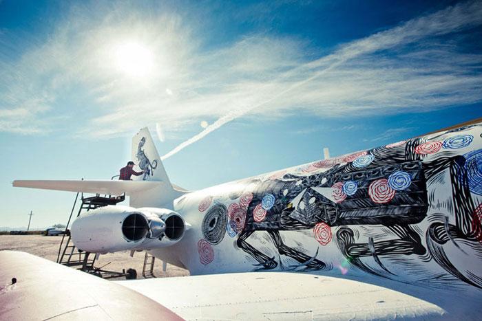 عکس های نجات هواپیماهای از رده خارج بوسیله هنر