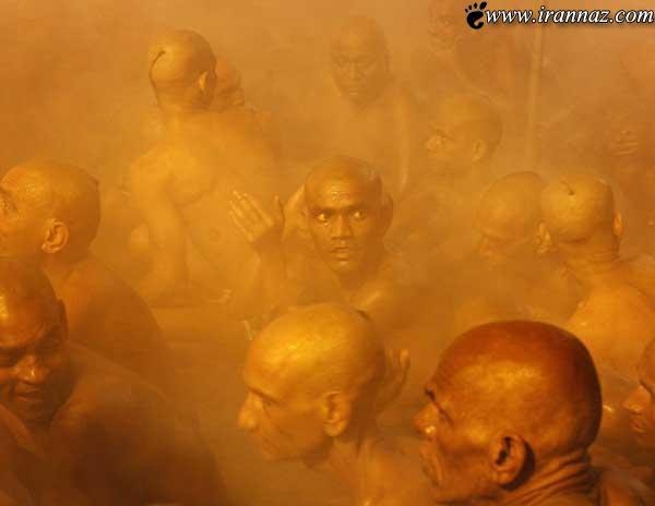عکس های مردان برهنه در مراسم عجیب رهایی از گناه