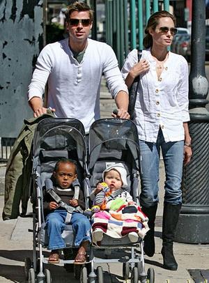 عکسهای آنجلینا جولی با خانواده اش در ژاپن