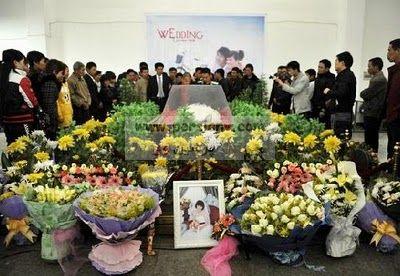 عکسهای ازدواج مردی با جنازه دختری که هشت روز پیش مرده!