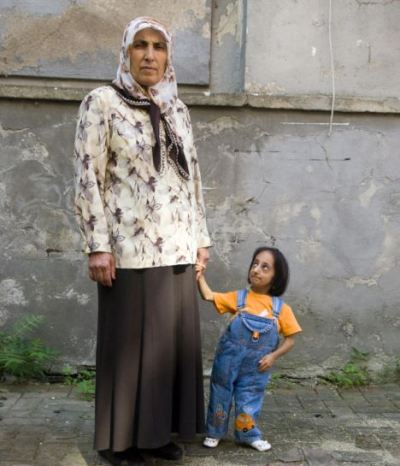 عکس هایی از کوتاه ترین زن جهان