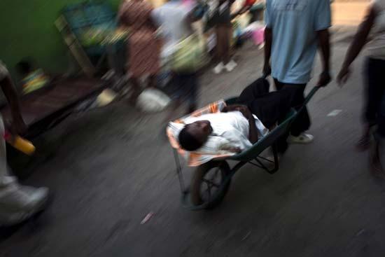 عکس هایی غم انگیز از یک فاجعه انسانی