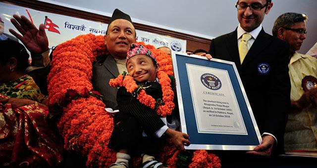 عکس هایی جالب و دیدنی از کوچک ترین مرد جهان